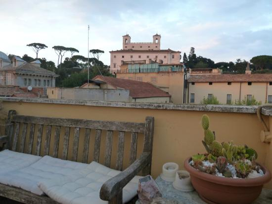 Domus Valeria Bed & Breakfast: view from rooftop terrace