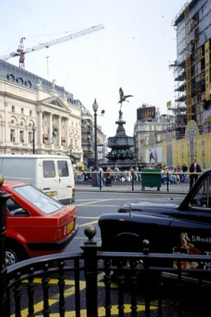 Piccadilly Circus: p