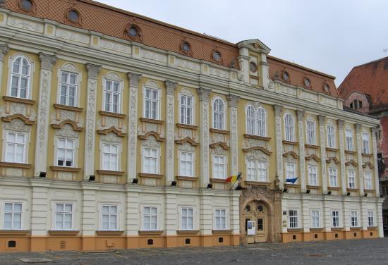 Muzeul de Arta: The Baroque Palace / The Art Museum