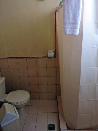 Hotel Colonial: Bathroom