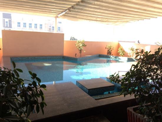 Hotel Royal Orchid, Jaipur: vue de la piscine privée