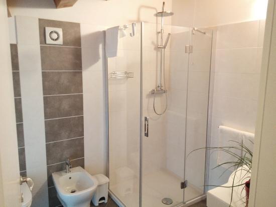 Bagno In Camera Piccolissimo : Bagno in camera trendy arredamento bagno camera letto vetro