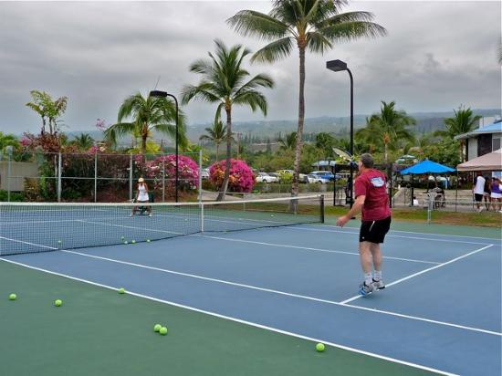 Holua Tennis & Pickleball Center