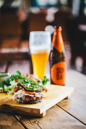 Colonial Kitchen: Banting friendly venison burger alongside some delicious craft