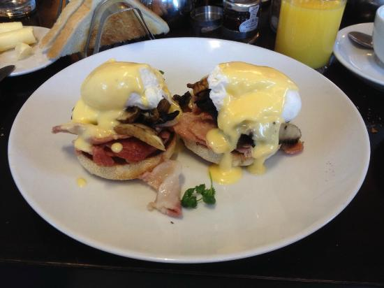 Cotswold Lodge Hotel: Egg Benedict