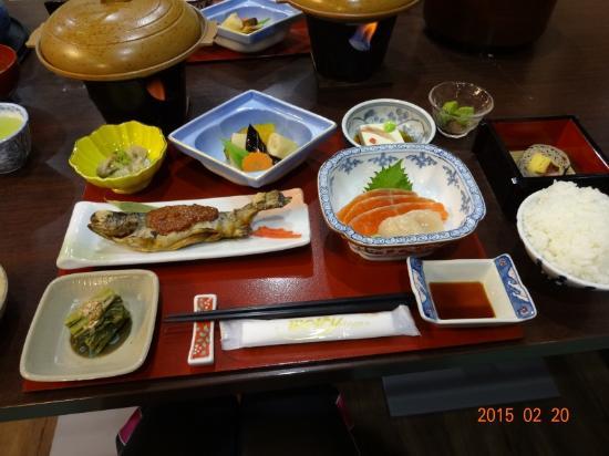 Kimimatisou: 夕食