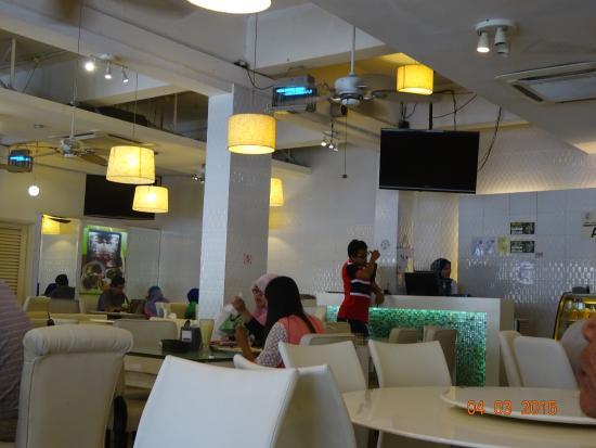 Wau Restaurant: a view in the restaurant