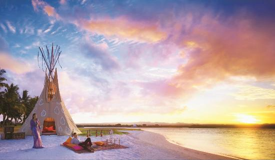 One&Only Le Saint Geran: One&Only Private Tipi Dinner