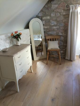 Dinder, UK: Dressing area