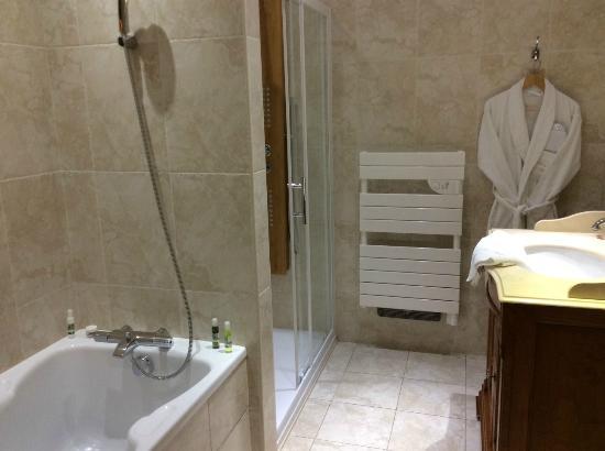 Hotel de Paris : Salle de bains