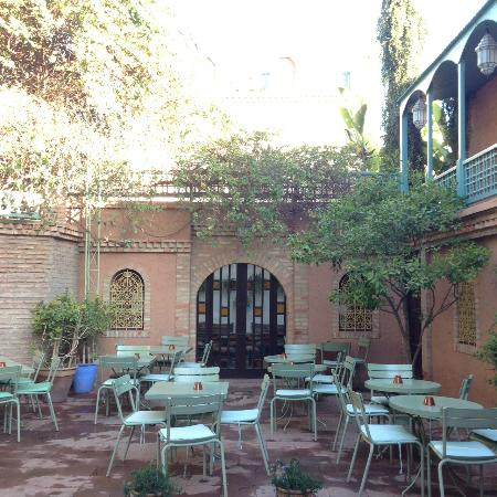The cafe eat outside in the sunshine picture of cafe for Restaurant jardin marrakech