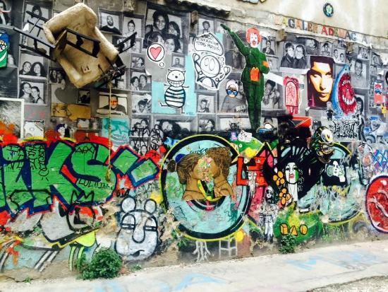 Street Art Barcelona - Bild von SANDEMANs NEW Europe ...