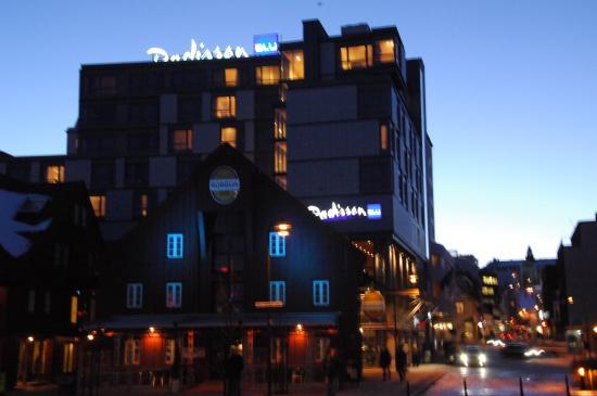 vista dell 39 hotel picture of radisson blu hotel tromso. Black Bedroom Furniture Sets. Home Design Ideas
