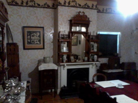 Arbeidsgenot: His dining room