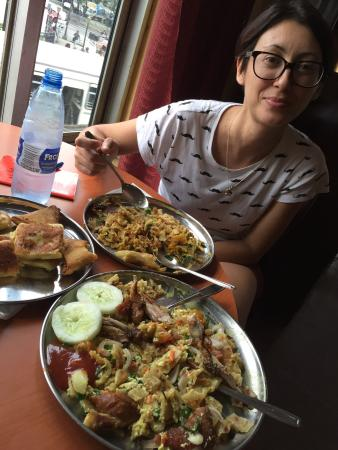 Kandyan Muslim Hotel: Kottu roti and parata fry