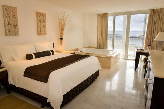 Playacar Palace: Ocean View Room