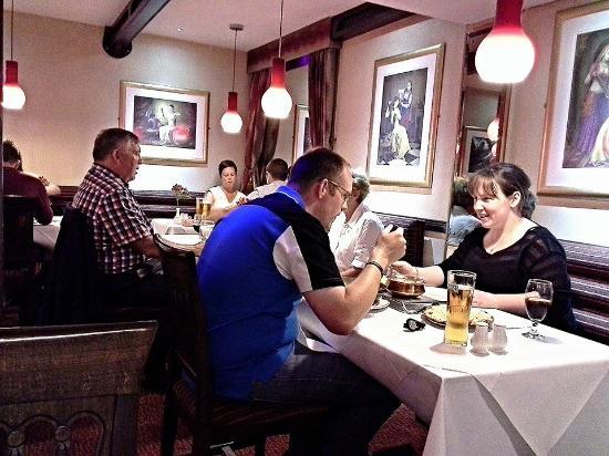 The Rajah Restaurant: Decor.