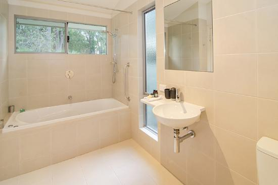 Acacia Chalets & Margaret River Beach Studios: Chalet 2 - with Spa Bath