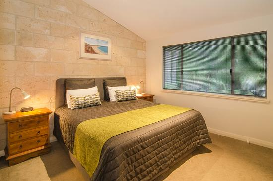 Acacia Chalets & Margaret River Beach Studios: Chalets Main Bedrooms