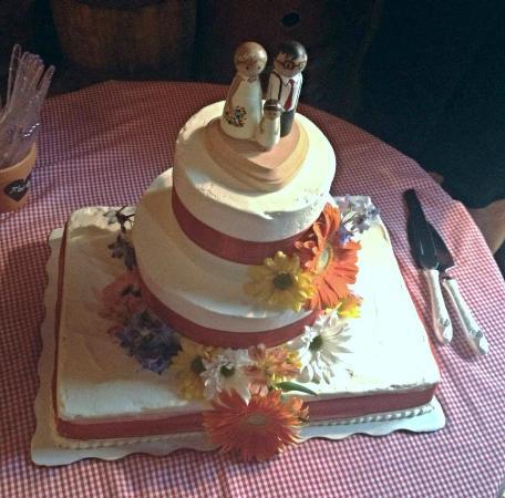 Baked Euphoria Rustic Wedding Caked With Sheet Cake Base