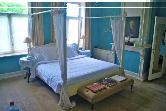 Hotel Recour : Hotel room