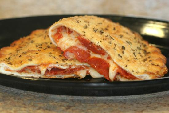 Pizza Cottage: Calzones