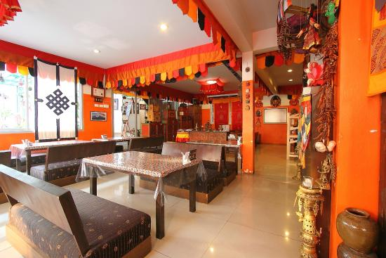 Nice ambiance picture of himalaya residence restaurant for Ambiance cuisine nice
