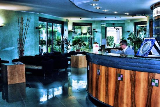 Sporting Hotel : Hall
