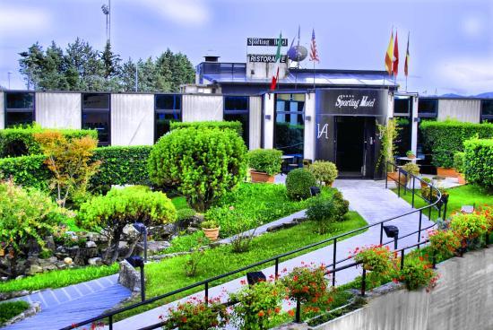 Sporting Hotel: Ingresso Esterno