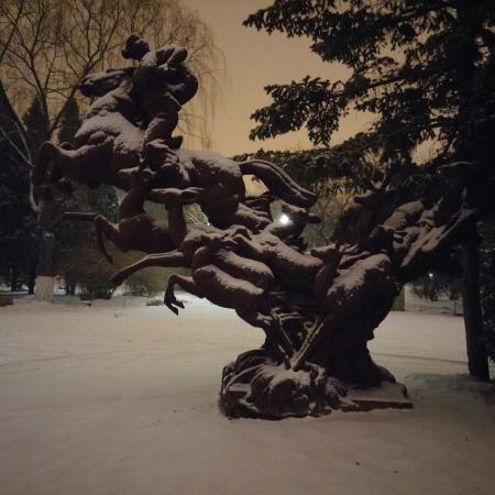 Nanhu Park: Freshly fallen snow