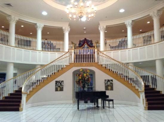 entrance foyer picture of cumberland inn and museum. Black Bedroom Furniture Sets. Home Design Ideas