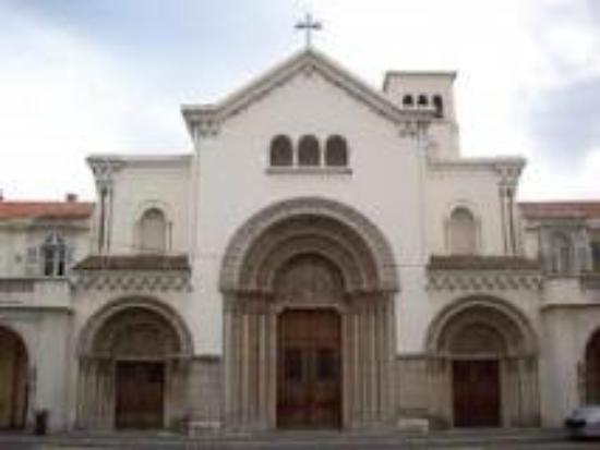 Notre Dame des Pins