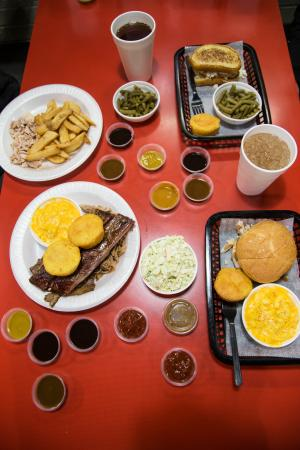 David's Real Pit BBQ: The spread