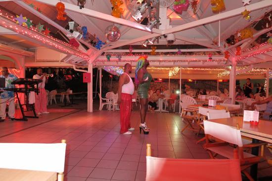 Cheri's Cafe : The Entertainment