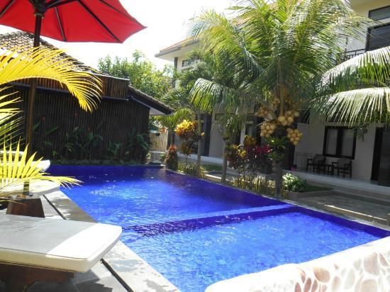 D'Kubu Legian Hotel: Kolam renang