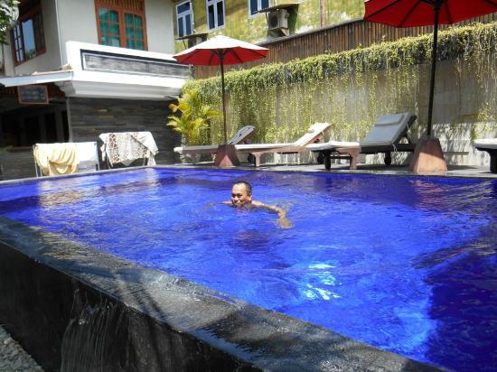 D'Kubu Legian Hotel: Kolam Renang Mungil