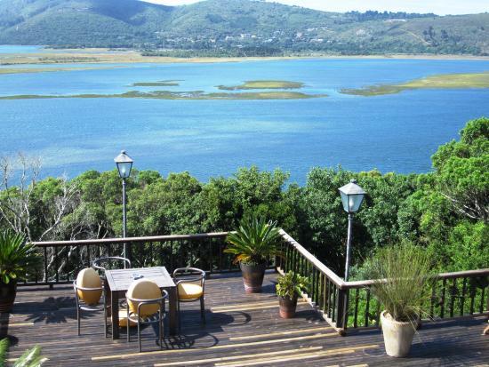 Villa Mulligan: Terrasse über der Knysna Lagoon