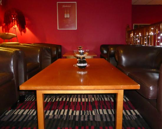 Bolton, UK: The bar area is a really comfortable place to sit and catch up with family and friends.