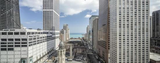 Park Hyatt Chicago: Exterior