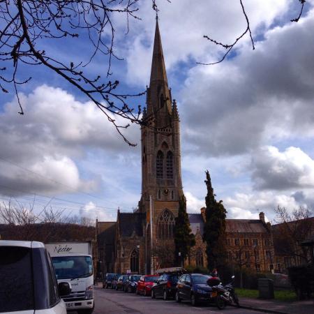 St John The Evangelist Church: Bela abadia!