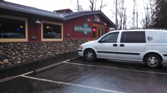Blue Mountain Grill: Rustic dining at it's best.