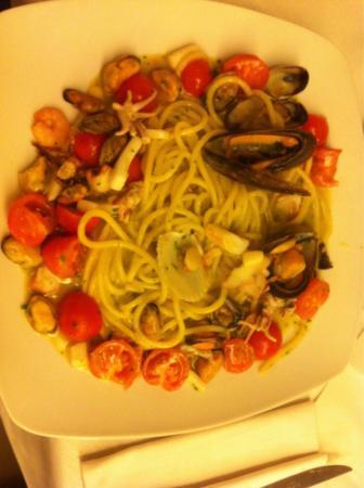 La Ghiotta: Spaghetto allo scoglio,sublime😋😋