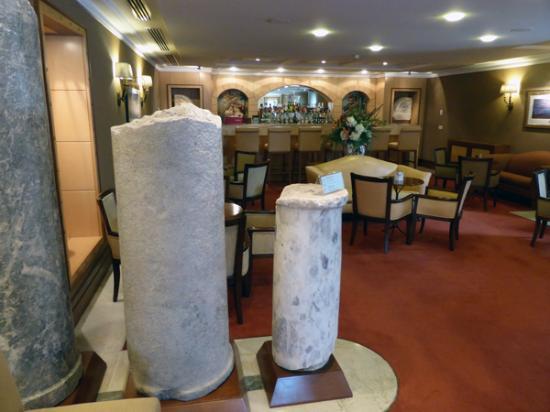 Eresin Crown Hotel Sultanahmet : Column Bar - Eresin Crown Hotel