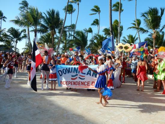 Dominican Independence Day Parade Picture Of Dreams Punta - Dominican republic independence day