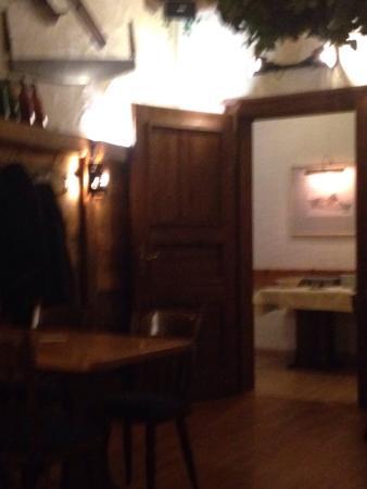 Domhof: Upatair saloon !