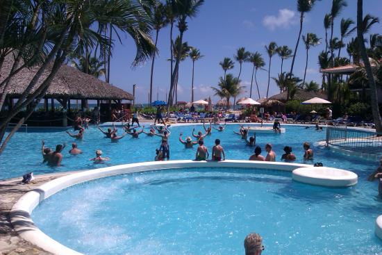 Natura Park Beach - EcoResort & Spa: Pool aerobics