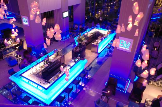 Radisson Blu Hotel Bucharest: Bla Lounge Bar by night