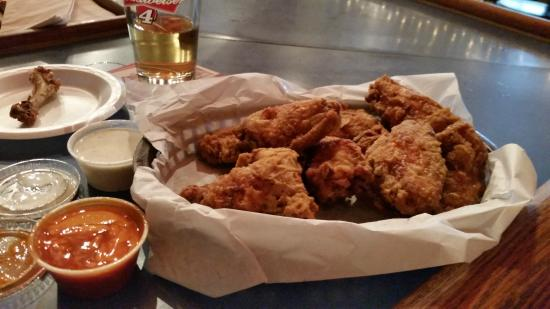 Filly's Restaurant & Lounge: Filly's Chicken Dinner