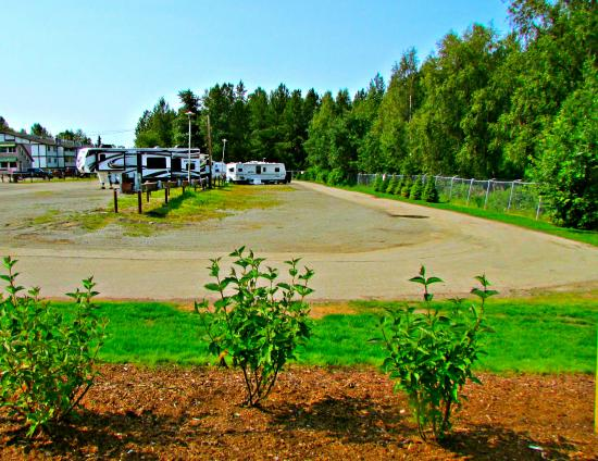 Creekwood Inn: RV Park with 51 Full Hook-up Sites including Cable TV and Wi-Fi