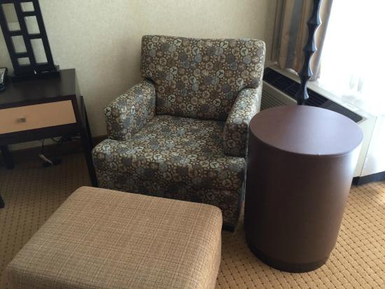 DoubleTree by Hilton Chicago - Arlington Heights: Chair was great for lounging and reading with good lighting